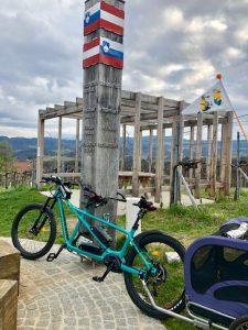 e-Tandem am Grenztisch zwischen Österreich und Slovenien